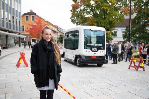 SPENT: Silje Eira er litt skeptisk, men lover å prøve førerløse busser den dagen de er klare for trafikk.