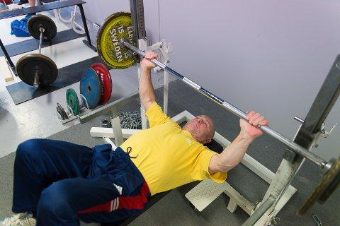 FENGENDE: - En fengende treningform, ser Dietmar Wolf, som mener flere burde trene styrke.