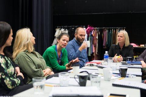 PRØVENE: Prøvene er i gang. Skuespillere skal jobbe halve perioden i Hamar og halve perioden i Bergen.