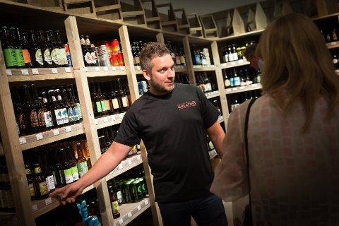 SLUTT: Øystein Williksen var driver av selskapet Bjòr som driftet Gulating Ølutsalg. Nå er det slutt for butikken på Maxi.