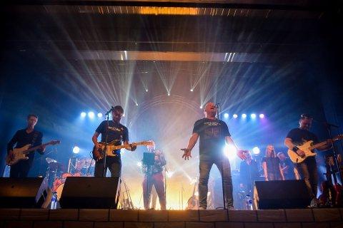 SHINE ON YOU: Publikum ble rørt til tårer under fjorårets konsert i Teatersalen i Brumunddal. Foto: Helene Marie S. Paalsrud