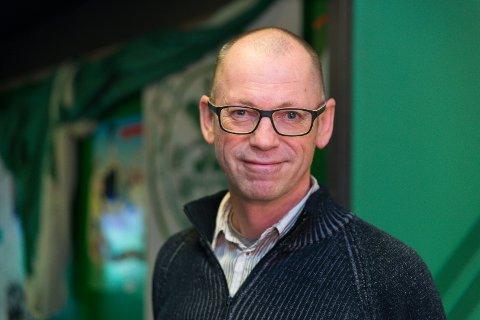 KOMMENTATOR: Arve Fuglum var selv sportskommentator i NRK mellom  1992 og 2006.