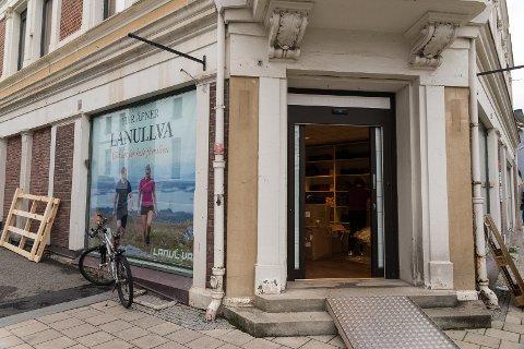 ÅPNER: Lørdag åpner Lanullva sin butikk i gågata i Hamar.