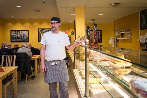 LANG ERFARING: Stig Ottesen er ny sjefbaker på Kringla. Han har lang erfaring som baker i regionen.