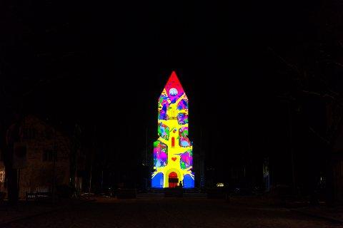 DOMKRIKEN: Domkirken ble forvandlet til en animert vegg under julegrantenningen i sentrum.