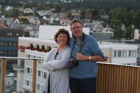 LYKKELIG: Unni og Haakon Wiig foreviget under en reise med Hurtigruta i 2009. Da var Unni alvorlig syk.