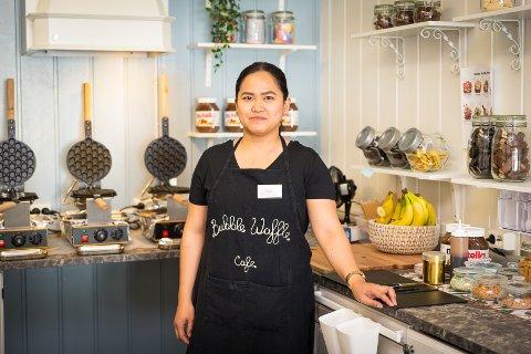 PANGSTART: Mea Banega Agvilar-Karlsen forteller om en eventyrlig start for Bubble Waffle Café Hamar.