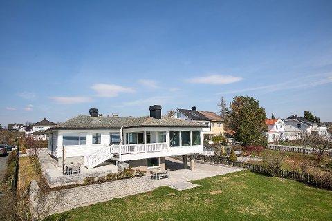 SOLGT: Opprinnelig bygget i 1937; huset har siden 2011 vært igjennom en skikkelig oppussing.