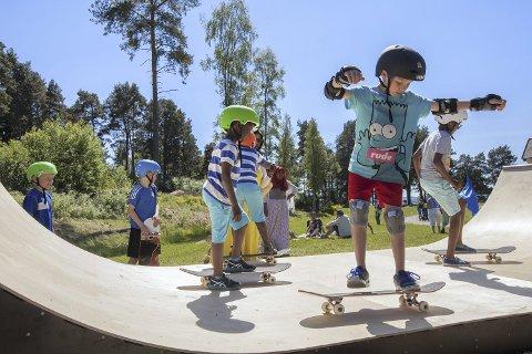 SKATEBOARD: Det skal rigges en rampe på festivalområdet som skal innby til triksing og moro under Stoppested Verden.