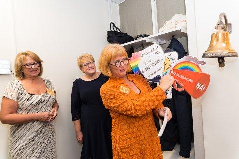 I GANG: Styreleder Anne-Lise Bakken, kultur- og likestillingsminister Trine Skei Grande og direktør Goro Ree-Lindstad er glade for at Likestillingssenteret er på plass i nye lokaler.