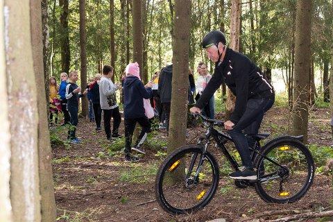 SYKKEL: Ordfører Einar Busterud i Hamar er selv ivrig syklist. Neste år får han sykkelkonferansen til Syklistenes Landsforbund til byen.