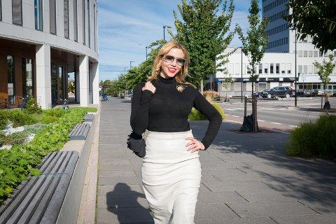 NY HJEMBY: Stephanie mener Hamar er et flott sted, og trives med sin nye hjemby.