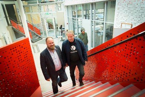 ALENE: Truls Gihlemoen fra Fremskrittspartiet og Erik Ringnes fra Venstre er de to eneste fra Hedmarken som står på sikker plass i et nytt fylkesting.