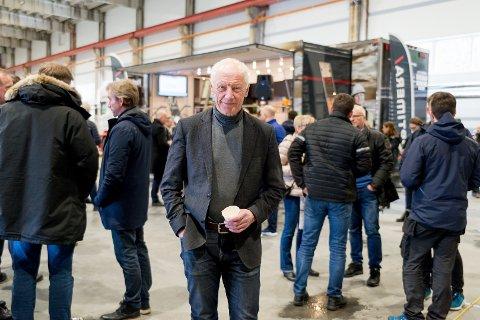 ENTUSIASTISK: Ordfører Einar Busterud er glad for at det er liv i giganthallen på Ingeberg igjen.