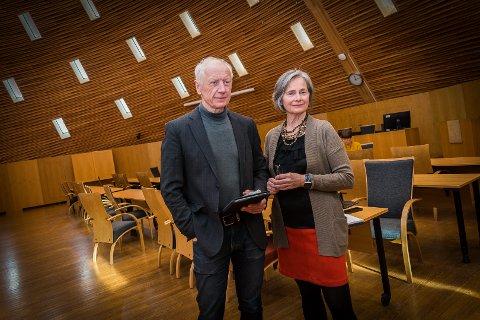 FØLGER SITUASJONEN: Kommunalsjef for helse og omsorg i Hamar kommune, Vigdis Galaaen, og ordfører Einar Busterud følger spent med på koronautviklingen i kommunen.
