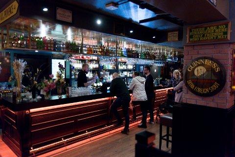 HJEMMEKOSELIG: – Vi ville lage en hjemmekoselig, tradisjonell pub, sier Steve Evans om nye Nellie, som nå ligger i Torggata.