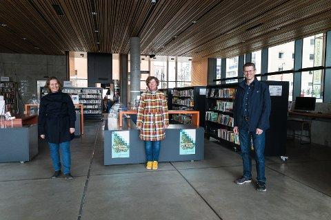 MER DIGITALT: Biblioteksjef Elin Gammelmo, bibilioteksjef i Stange, Mailin Toft og biblioteksjef i Hamar, Per Olav Sanner, tror det blir mer digitale utlån også når koronakrisa en dag er over.