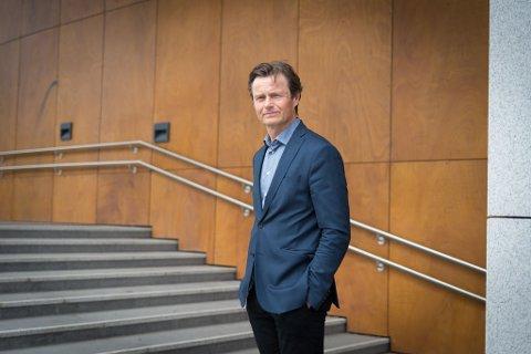 DAGLIG LEDER: Tore Anstein Dobloug (57) er daglig leder i Sparebankstiftelsen Hedmark, og er også gardbruker i Furnes. Han har jobbet innen finans i lang tid.