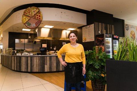 ITALIENSK MAT: Moshira Rasoul er i gang med matstedet Fortunato i andre etasje på CC Hamar.