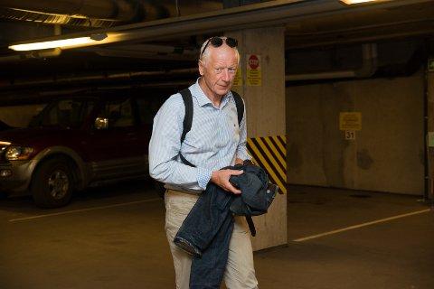 SIER STOPP: Ordfører Einar Busterud stopper arrangementer med mer enn 20 personer.