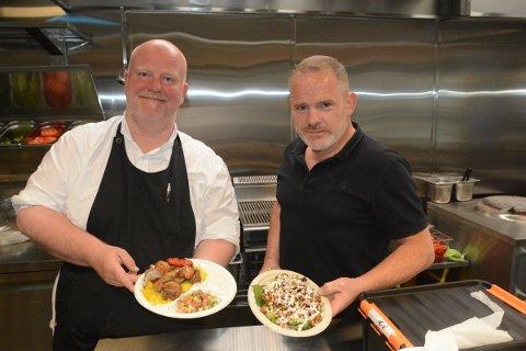 ÅPNET: Safran Indian Fusion har nå åpnet dørene på Matkvartalet og håper å videreføresuksessen de hadde på Mjøsfronten i sommer. Da kokte det nemlig bra for Ole Martin Johannessen og Arnthor Hupfeldt.