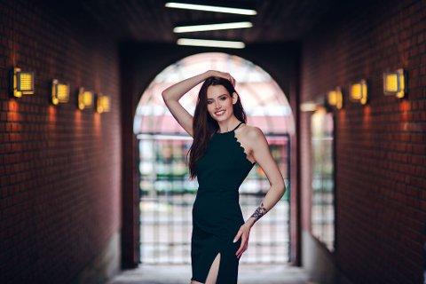 FORNØYD: : Angelika Catharina Dybendal Kristiansen ble nummer to i Miss Norway og er strålende fornøyd med den prestasjonen og ser på det som en døråpner.