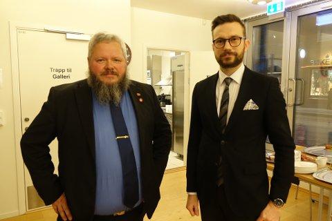 UTTALTE SEG: Arne Myrseth (Frp) (t.v.) og Vegard Loke Rønning (Krf) var blant dem som uttalte seg i saken. De er enige om at det er en usosial skatt, men sistnevnte fremmet også at dette var en gladsak for dem i Kvalsund.