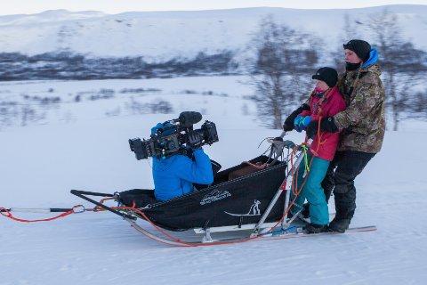 Anette Hernes Børve er med i episoden av Dyrevenn frå Eidfjord. Anette lærer Oda Medhus (12) om det å ha hundar som ein skal bruka til hundekøyring.