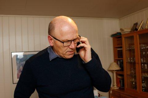 MANGE TELEFONER: Tips, kjeft, ros og manglende avis. Veien inn til redaktøren i Hardanger Folkeblad er ikke lang.