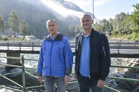 SKL: Frå venstre; prosjektleiar Sture Karlsen og kommunikasjonsleiar i Sunnhordland Kraftlag (SKL) Jan Petter Myhre.
