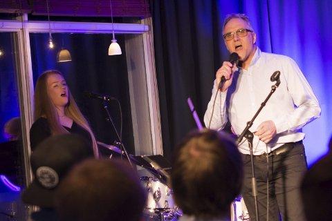 Ekspedisjonen: Trond Instebø i duett med Tora Trønnes Lilleeggen.