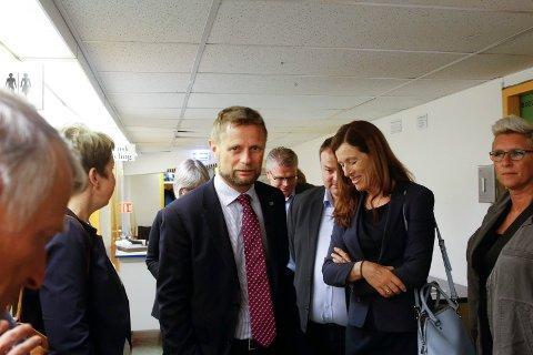 Helseminister Bent Høie på besøk på Odda sjukehus. Foto: Eivind Dahle Sjåstad