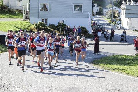 Munketreppene opp 2017: Løpet går frå Røysi til  Rjukande.