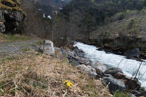 Opedal Ljosverk ynskjer å nytta eit fall på 74 meter i elva Opo som renn ut i Sørfjorden ved Lofthus.
