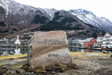 Ny stein i Odda: Denne steinen dukket plutselig opp i Odda natt til onsdag.
