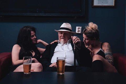 «Gudfaren»: Bluesgeneral Stein Egil Legård er klar for mafiafest.