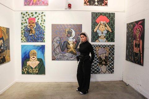 I fjor haust hadde Henriette utstilling på Iris Scene samtidig som Litteratursymposiet. I år kjem ho tilbake med utstilling i romjula.