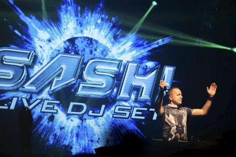 På scenen i Odda: SASH! fra Tyskland er kjent for store hits som «Ecuador» og «Encore une fois», som begge nådde 2. plass på de britiske hitlistene. (Pressefoto)