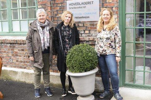 Supplement: Jordmødrene Torhild Austrått Kristensen og Hjørdis Ingeborg Bleie og leiar for helsestasjonen i Odda, Inger Lise Haukaas, er glade for nytt tilbod og nært samarbeid.
