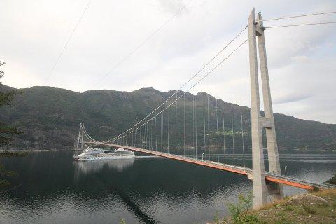I 2018 hadde Hardangerbrua 2.035 passeringar i døgnet i snitt, og det var første året at trafikken var høgare enn prognosen..