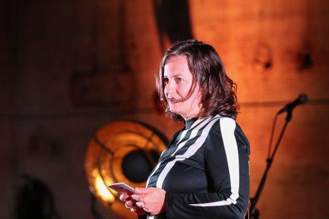 Festivalsjef Ingvild Ystanes innrømmer at det har vært krevende å planlegge årets festival. Nå gleder hun seg over å være i gang.