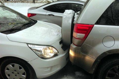 Det er høgtid for bulking av bil.