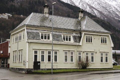 Søndre portalbygg: Dette er eitt av dei tre bygga rådmannen føreslår å selja.foto: Inga Øygard Jaastad