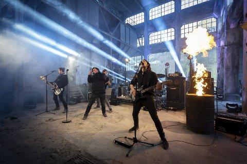 Smelteverkstomta: Jarle Hovda Moe sendte konsert med bandet Vivillain på strøymekanalen sin Medstraum.Foto: Thomas Aarheim Nilsen