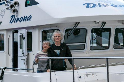 Jennifer og James Hamilton på båten deira MV Dirona.