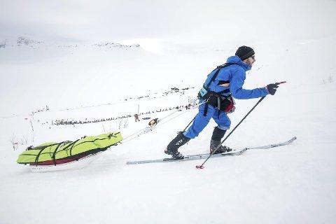 Opp og fram: Startskotet har gått. No er det Garen neste — på hi sio av vidda. Foto: Kai-Otto Melau/xtreme eidfjord