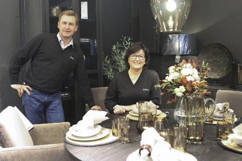 Familie: Dagleg leiar Øyvind Ribesen og storesøster Eldbjørg Svendsen har saman drive Bohus ti år. Det vert mykje jobb, og Ribesen fortel at begge har tolmodige partnarar heime.
