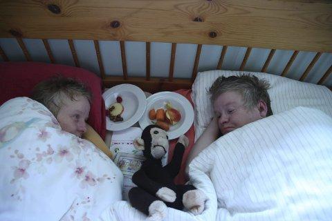 Tvillingsong: Stillbilde fra filmen om Toril og Eli Moldstad. Foto: Kieran Kolle