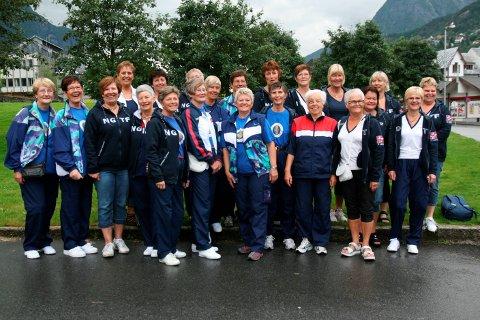 Reisefeber: Dameturnere fra Odda på vei til Sveits for å delta på World Gymnaestrada 2011. Fra HF 13. juli 2011.