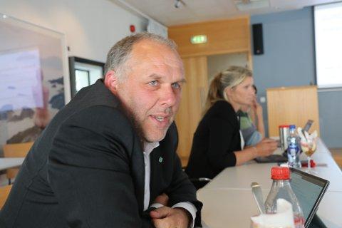 VIL HA TAL PÅ BORDET: Jørund Kvestad (Sp) tok  i formannskapet nyleg på ny opp spørsmålet om renovasjonsordning. No varslar han at partiet vil halda fram med å jobba for ei utgreiing av saka som har engasjert mange innbyggjarar etter samanslåinga.